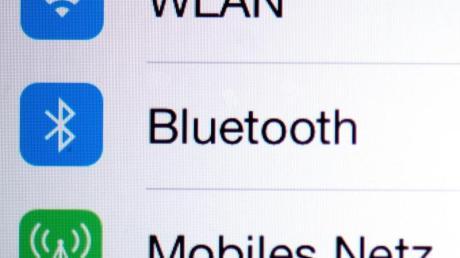 Musik hören über iPhone und Bluetooth-Lautsprecher: In den Bluetooth-Einstellungen lässt sich der Gerätetyp frei definieren. Wird dort Lautsprecher oder Autostereo ausgewählt, lässt sich die Musik lauter aufdrehen.