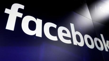 Facebook sperrte Trump im Januar kurz vor dem Ende seiner Amtszeit.
