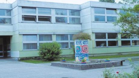 Die Sanierung der Bachtal-Volksschule in Syrgenstein soll noch in diesem Jahr beginnen. 800000 Euro hat die Gemeinde dafür in den Etat für 2011 eingestellt.