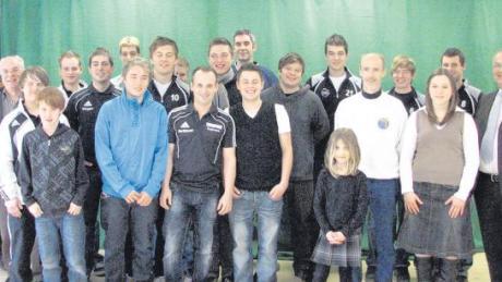 Zehn Einzelsportler und zwei Mannschaften wurden bei der Sportlerehrung in Syrgenstein für ihre Erfolge im Jahr 2010 ausgezeichnet.