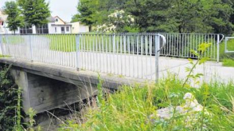 Die Bösl-Brücke in Finningen soll neu gebaut werden. Der Gemeinderat hat in seiner Sitzung beschlossen, den Planungsauftrag zu erteilen.