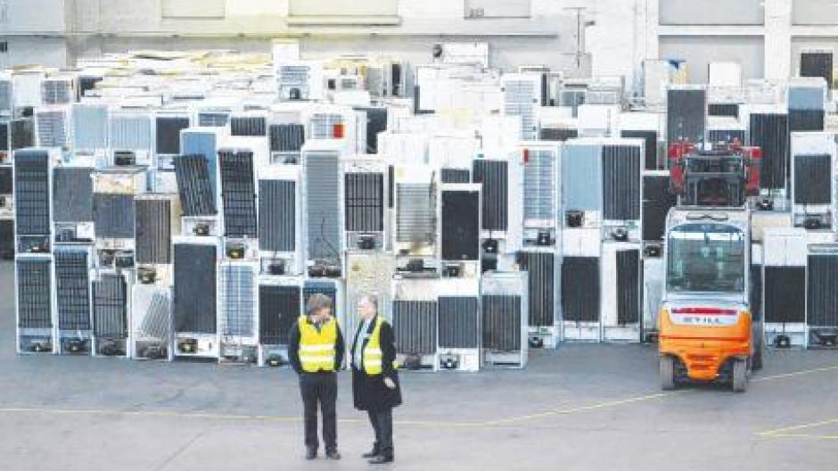 Kühlschrank Mit Auto Transportieren : Großhandel mini auto kühlschrank für ford v thermoelektrische