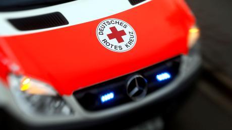 Bei einem Unfall in einer Biogasanlage in Bächingen sind zwei Männer leicht verletzt worden.