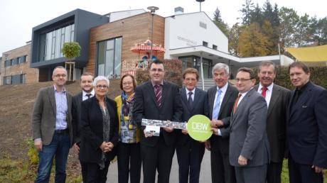 In Zöschingen wurde gestern feierlich die neue Gemeindehalle eingeweiht.