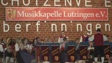 Copy%20of%20Lutzingen_Konzert(1).tif