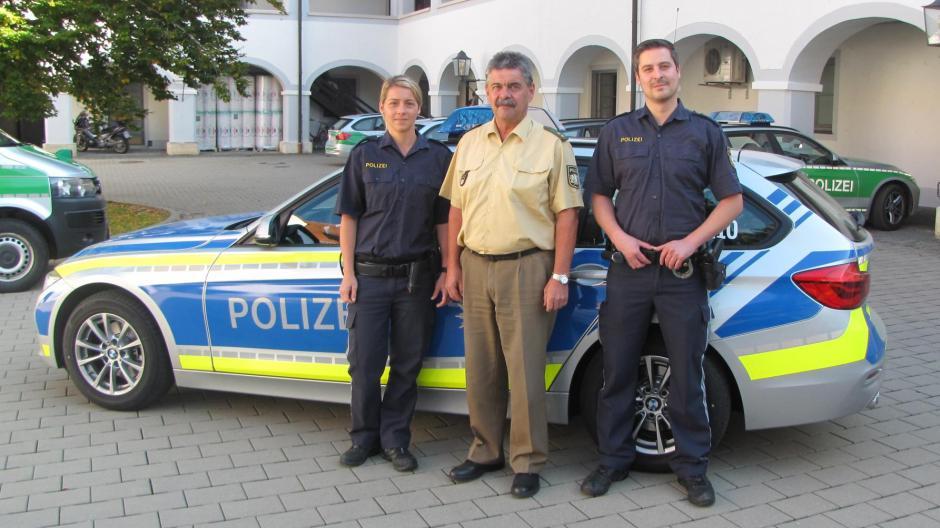 Polizei Die Polizei Im Landkreis Stellt Auf Blau Um Nachrichten