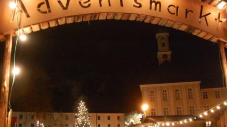 Lichterglanz schon vor dem ersten Advent: Die romantische Atmosphäre im Kloster Maria Medingen genossen am Wochenende erneut viele Besucher.