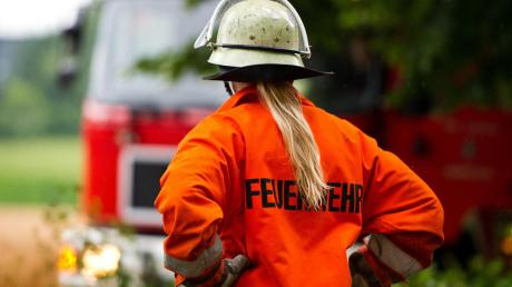 Die Feuerwehren sind nach wie vor männlich – auch, wenn immer mehr Frauen das Ehrenamt begleiten wollen.