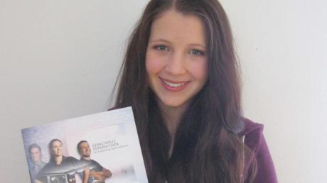 Celina Kapfer aus Gremheim macht bei Surteco in Pfaffenhofen eine Ausbildung zur Medientechnologin.