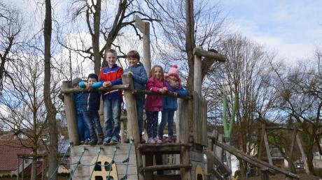 Das Piratenschiff auf dem Glötter Spielplatz kommt bei den Kindern am besten an.