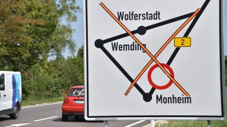 Die B2 bei Monheim ist von Montag an gesperrt. Der Verkehr wird umgeleitet.