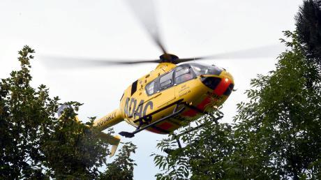 Ein Mann musste mit dem Rettungshubschrauber ins Krankenhaus gebracht werden.