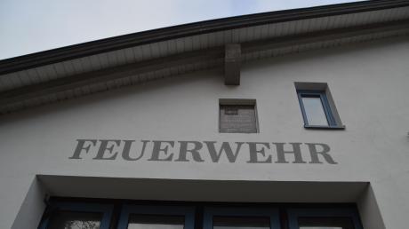 Drei Wehren unter einem Dach? Die Gemeinde Syrgenstein plant den Bau eines neuen Feuerwehrgerätehauses. Dort sollen alle drei Ortsfeuerwehren Syrgenstein, Landshausen (im Bild) und Staufen gemeinsam untergebracht werden. Doch gegen die Pläne regt sich Widerstand.