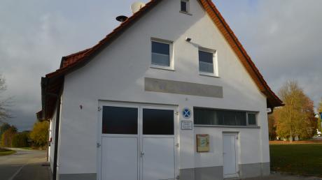Das Gerätehaus der Freiwilligen Feuerwehr Syrgenstein. Die Gemeinde plant, alle drei Ortswehren in einem neuen Gerätehaus zusammenzulegen.