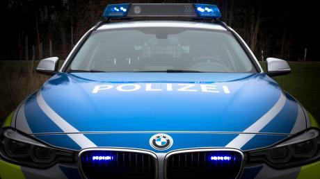 Die Polizei stelle bei dem Autofahrer einen Alkoholwert von gut 1,5 Promille fest.