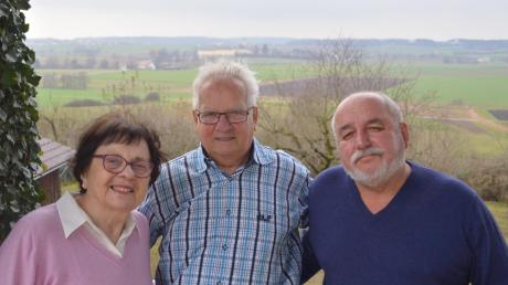 Franz Schindler, Mitte, ist für Josefine und Manfred Wörner aus Bergheim ein Engel.