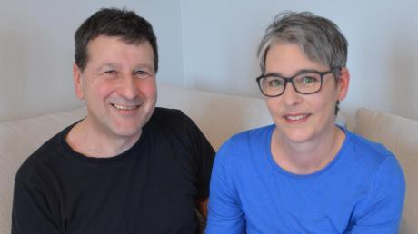 Der 51-jährige Anton Eichberger hat Leukämie. Die Krankheit wurde binnen eines Jahres zwei Mal diagnostiziert. Nun braucht er dringend einen Stammzellspender. Ehefrau Carola weicht ihm nicht von der Seite.