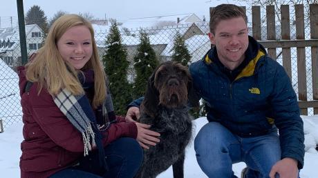 Am Silvesterabend ist der Jagdhund Darko von seinem Zuhause in Leiheim panisch weggelaufen. Dank Sophie und Fabian Spegel ist er nach drei Tagen wieder gefunden worden.