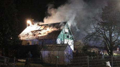In der Nacht auf den 29. Januar ist ein Einfamilienhaus in Mödingen abgebrannt. Die Polizei schätzt den Schaden auf etwa eine halbe Million Euro.