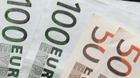 Man kann jetzt im Nikolausmarkt Dürrlauingen Geld abheben.