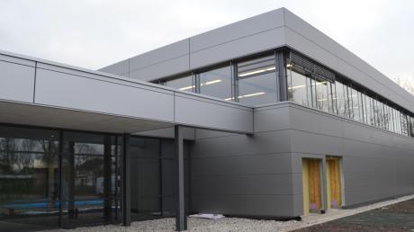 Die Stadt Gundelfingen eröffnet offiziell die neue Brenzhalle.