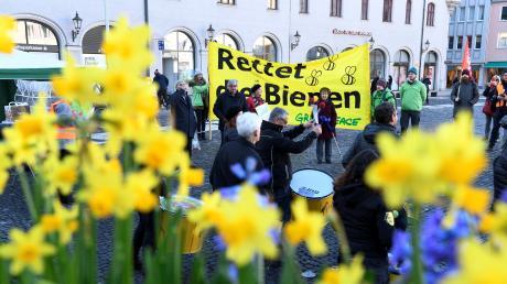 """Die Gemeinde Wittislingen kritisiert den Inhalt des Volksbegehren """"Rettet die Bienen""""."""