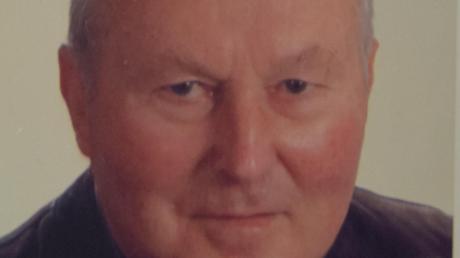 Der frühere Geschäftsstellenleiter der Donau-Zeitung, Günther Schmidt, ist im Alter von 78 Jahren gestorben. Die Nachricht hat bei vielen Menschen in der Region Trauer ausgelöst.