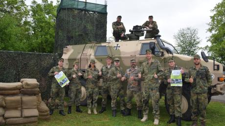 Diese Soldaten des Informationstechnikbataillons 292 gehören zum Organisationsteam, das den Tag der Bundeswehr am 15. Juni in Dillingen vorbereitet.