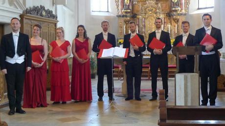 Die Blenheim Singers mit ihrem Dirigenten Tom Hammond-Davies (ganz links) wurden bei ihrem fulminanten Konzert vom Publikum bejubelt.
