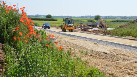"""Das neue Baugebiet """"Am Brechetweg"""" in Blindheim bekommt in der nächsten Woche Baureife. Fünf Plätze sind schon verkauft, mehr als ein Dutzend reserviert."""