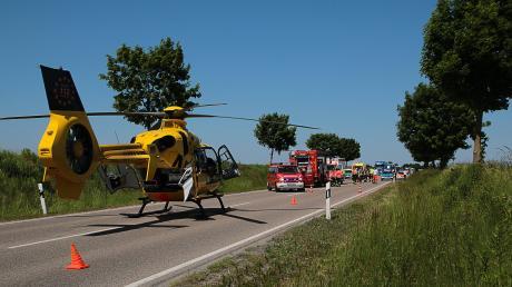 Ehrenamtliche Helfer hatten am Freitag Probleme, zur Unfallstelle auf der B16 zu gelangen.