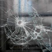Glasscheibe_Einbruch_Vandalismus_Apr17_16.JPG