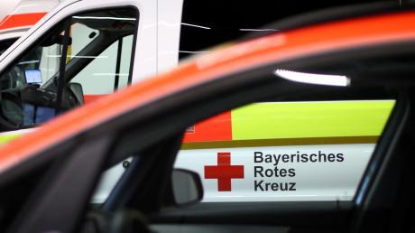 Der Rettungsdienst musste am Dienstag nach Glött. Dort war ein Mann vom Dach gefallen.