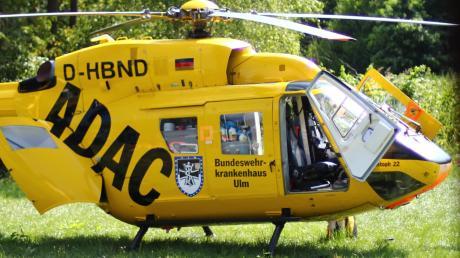 Mittelschwere Verletzungen hat ein 65-Jähriger bei einem Arbeitsunfall in Finningen erlitten. Ein Hubschrauber (Symbolfoto) flog den Mann in die Klinik.