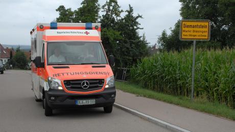 Seit rund 20 Jahren hat das Rote Kreuz einen Standort bei der Feuerwehr in Diemantstein. Nun, so das Ergebnis eines Gutachtens, soll dieser Standort nach Schwennenbach verlegt werden. Von dort aus soll die vorgeschriebene Hilfsfrist leichter eingehalten werden können – sagt die Statistik.