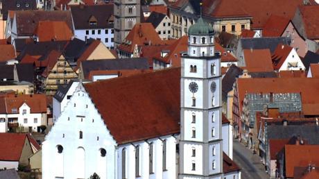 Das mächtige Martinsmünster dominiert das Lauinger Stadtbild.