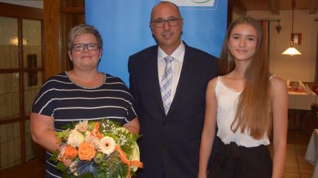 Stephan Herreiner geht für die CSU Bissingen bei der Bürgermeisterwahl ins Rennen. Ehefrau Rosi und Tochter Hannah unterstützen ihn.