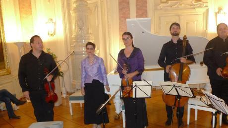 Klaus, Birgit und Jelena Nerdinger, Matous Mikolásek und Guy Speyers begeisterten das Publikum mit ausgezeichneten Darbietungen von großartigen Klavierquintetten.