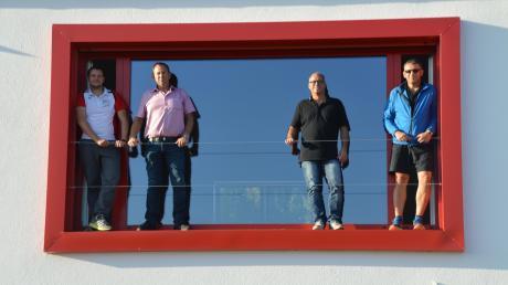Nicht nur der Sport, sondern auch die Bauarbeiten verbindet sie: (von links) Mathias Rieder, Lutz Trzeciak, Klaus-Peter Gutberlet und Bernd Schiele. Vor 15 Jahren haben die ersten Planungen stattgefunden, dieses Wochenende wird das neue Sportheim offiziell eingeweiht.
