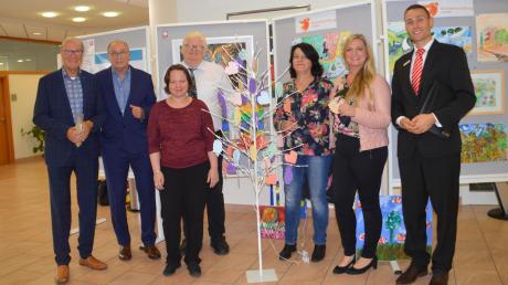 Bei der Eröffnung der Ausstellung waren dabei (von links): Hans-Jürgen Weigel, Dietmar Bulling, Margit Zimmermann, Ferdinand Müller, Renate Kleebaur, Sandra Bönisch und Martin Schmied.