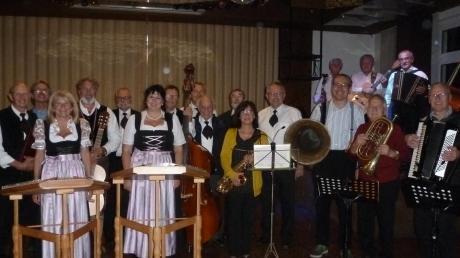 Zahlreiche Musiker unterhielten ein begeistertes Publikum in der Bissinger Krone beim Aufspiel'n beim Wirt.