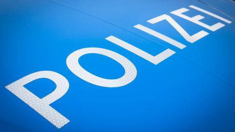 Die Dillinger Polizei sucht Zeugen für einen Unfall in Glött.
