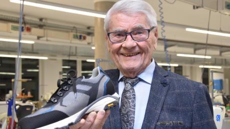 Arthur Thanner hat aus einem kleinen Schuhgeschäft ein mittelständisches Unternehmen gemacht, das inzwischen etwa 250 Menschen in Höchstädt beschäftigt. Der Unternehmer feiert am  Freitag seinen 90. Geburtstag.