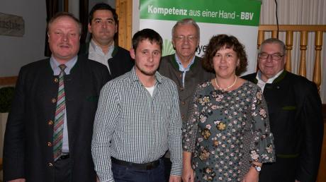 Kreisobmann Klaus Beyrer, seine Stellvertreter Jürgen Meitinger und Michael Eberle, BBV-Generalsekretär Georg Wimmer, Kreisbäuerin Annett Jung und BBV-Kreisgeschäftsführer Eugen Bayer (von links).