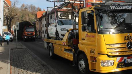 Ein Mann hat seinen Wagen in Gundelfingen abgeschleppen lassen, weil sein Autschlüssel gestohlen worden war.