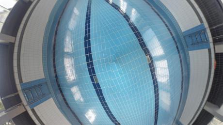 Das Gundelfinger Hallenbad braucht eine neue Filteranlage, fotografiert mit einer 360-Grad-Kamera.