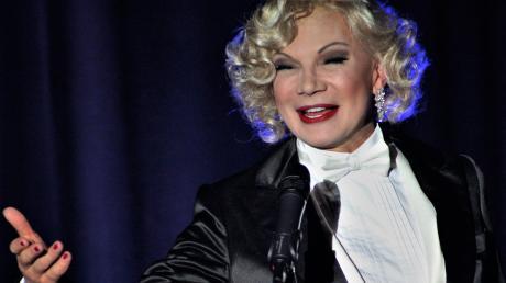 Chris Kolonko in seiner Paraderolle als Marlene Dietrich. Im Mai 2020 tritt er wieder im Stadeltheater auf.