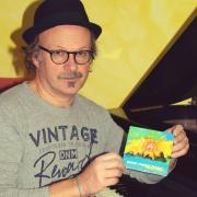 """Robert Christa hat in den USA ein Musikvideo produziert und die neue Jazz-CD """"Smooth World"""" herausgebracht. In unserem Interview spricht er auch über seinen Bezug zur Heimat."""