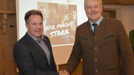 Friedrich-Josef Heidel (links) ist Vorstandsmitglied des Fachverbands Sanitär-, Heizungs- und Klimatechnik Bayern. Er ist Nachfolger vom neuen Landesinnungsmeister Erich Schulz.