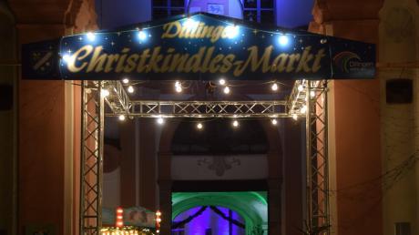 Tausende von Besuchern ließen sich am Wochenende vom Dillinger Christkindlesmarkt verzaubern – und das, obwohl es mitunter regnete und stürmte.